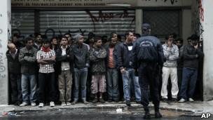 121220093827_greece_immigrants_304x171_ap