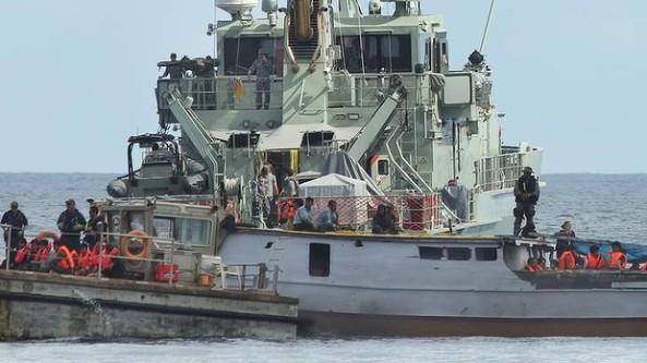قایق پناهجویان - asylum seekers boat